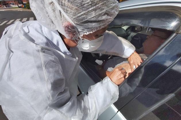 Devido à chuva, vacinação drive thru é cancelada na tarde desta sexta-feira