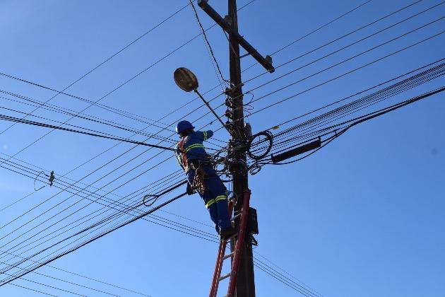Parceria com a iniciativa privada garante iluminação em ruas centrais e bairros de Guarapuava