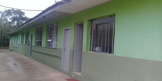 Escola de Faxinal dos Quartins recebe equipamentos em programa do Itaú