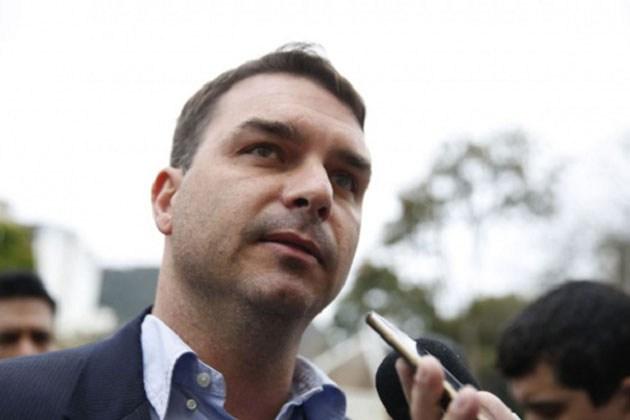 PGR pede para Polícia Federal ouvir empresário que relatou vazamento ao senador Flávio Bolsonaro