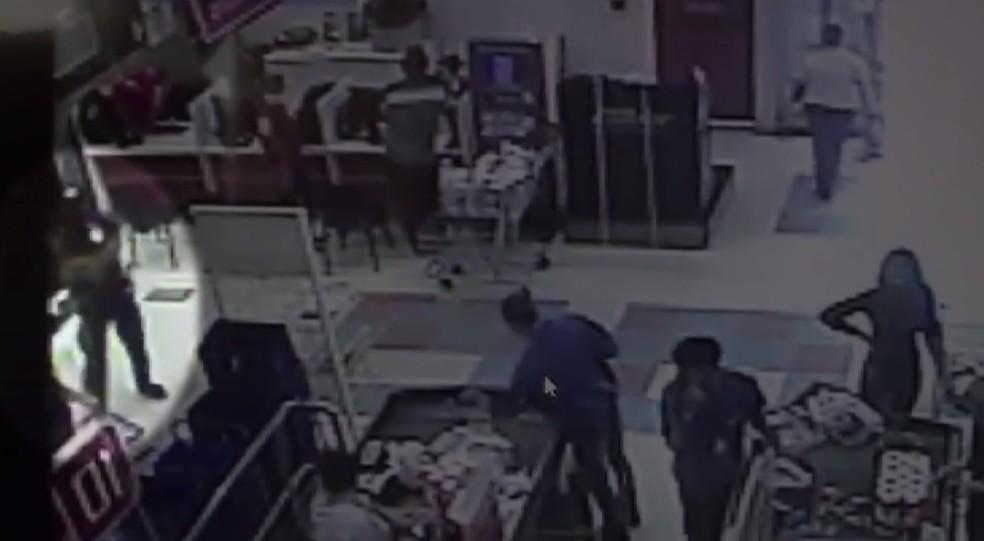 MP-PR denuncia empresário que se envolveu em briga dentro de supermercado de Araucária por homicídio