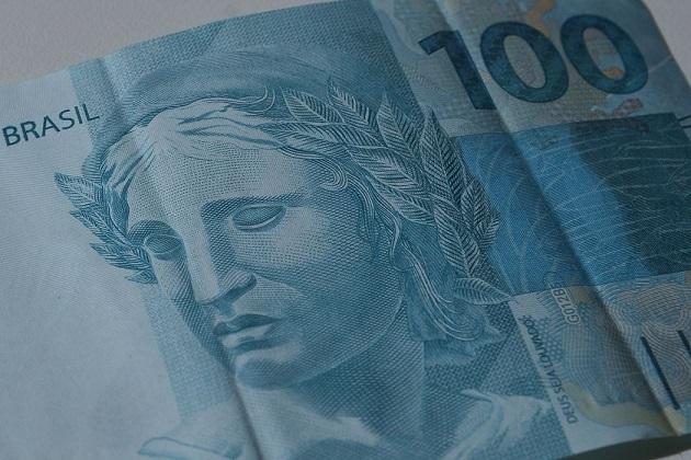 Tesouro Nacional paga a primeira parcela, de R$ 15 bilhões, para auxílio a estados e municípios