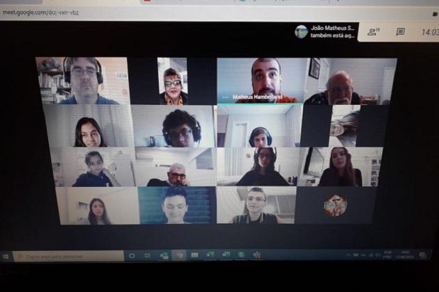 Alunos do Sepam High School participam de aula online com professores da Universidade do Missouri