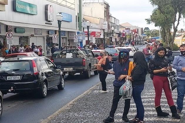 Pesquisa revela que mais da metade das empresas de Ponta Grossa demitiram funcionários no mês de maio