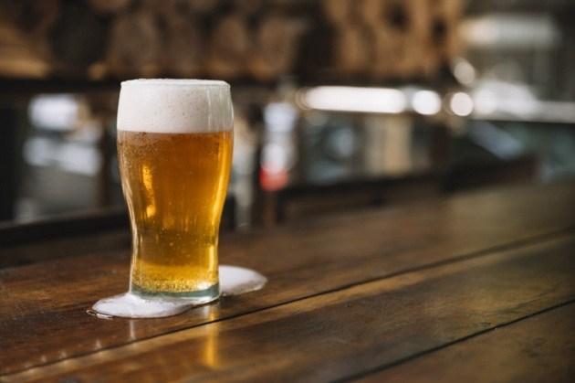 Novo decreto proíbe venda de bebida alcoólica após 22h em todo Paraná