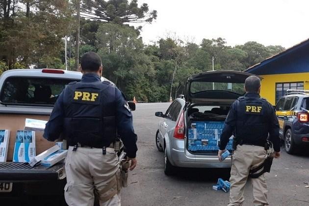 PRF e Receita Federal apreendem dois veículos com cigarros contrabandeados que seguiam para Ponta Grossa