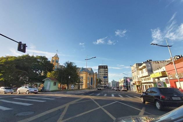 83% dos internautas são a favor do toque de recolher em Ponta Grossa