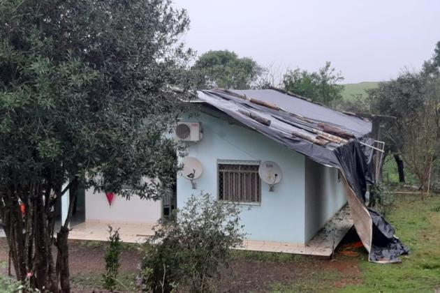 Granizo e vendaval atingem 10 municípios paranaenses e afeta cerca de 5 mil pessoas