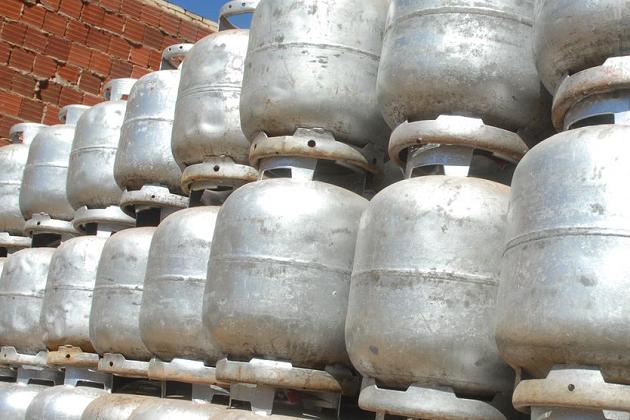 Preço do botijão de gás de cozinha pode chegar a R$ 100 ainda nesta semana