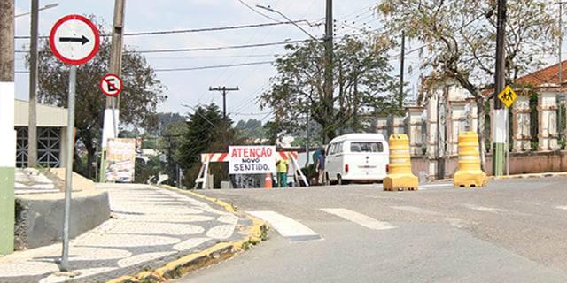 COMUNICADO | Trecho da rua Coronel Pedro Ferreira sofre alterações de sentido