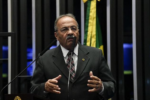 Senador Chico Rodrigues, que foi pego com dinheiro na cueca, pede licença por 90 dias