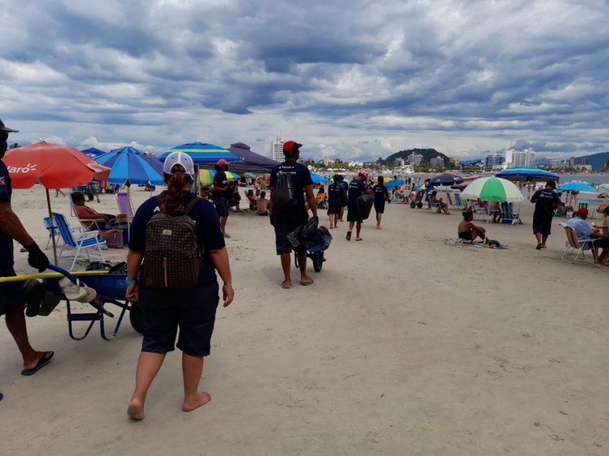 Apesar da pandemia, veranistas geraram 9% mais lixo que ano passado nas praias do PR