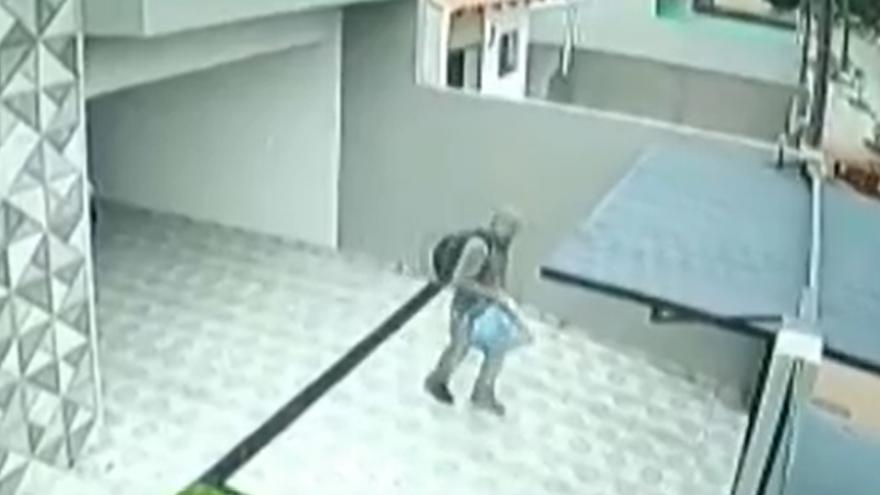 Mãe entrega o próprio filho para polícia depois de reconhecê-lo em imagens de assalto no Paraná