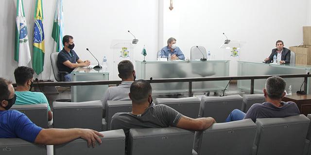 Prefeito e Procurador Geral explicam sobre alíquota previdenciária do RPPS aos vereadores e imprensa