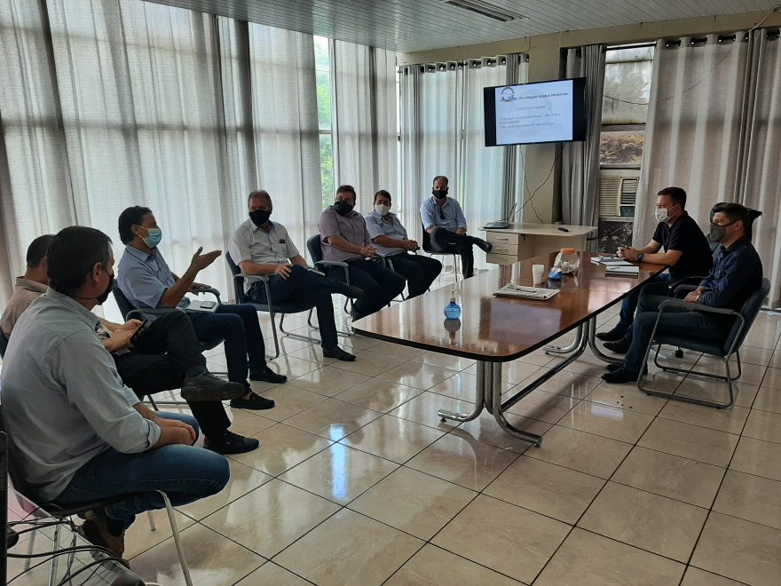 Prefeitura de PG inicia tratativas para integrar consórcio Caminhos do Tibagi para manutenção de estradas rurais