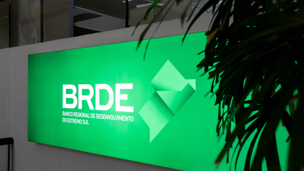 BRDE diversifica fontes de captação com emissão e oferta de títulos