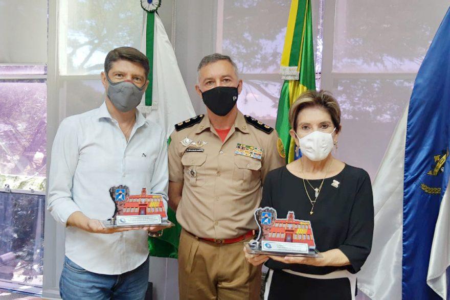 Prefeita Elizabeth recebe visita do comando do Corpo de Bombeiros em Ponta Grossa
