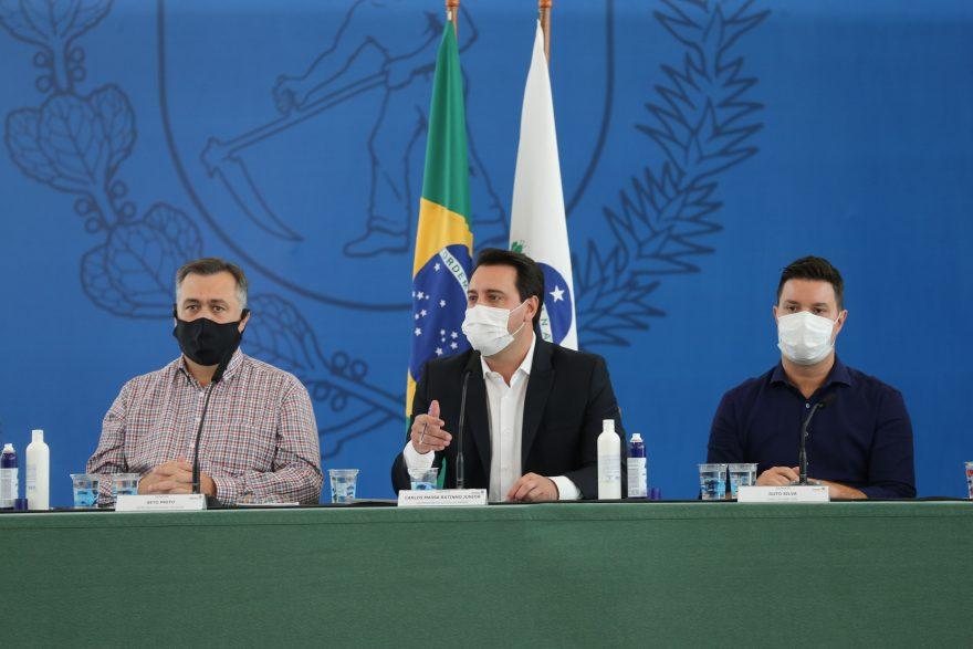 Escola particular de Curitiba processa governador do Paraná pela suspensão das aulas presenciais