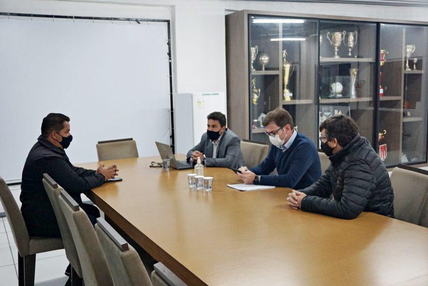Operário se reúne com Prefeitura de PG para tratar sobre adequações no Germano Krüger