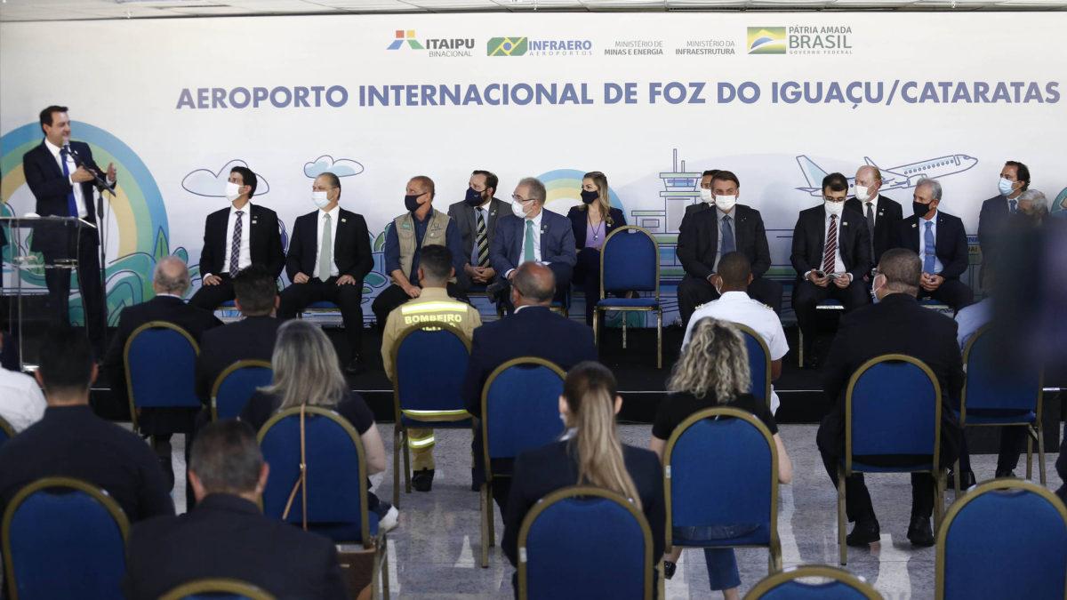 Aeroporto de Foz do Iguaçu ganha a maior pista de pousos e decolagens do Sul