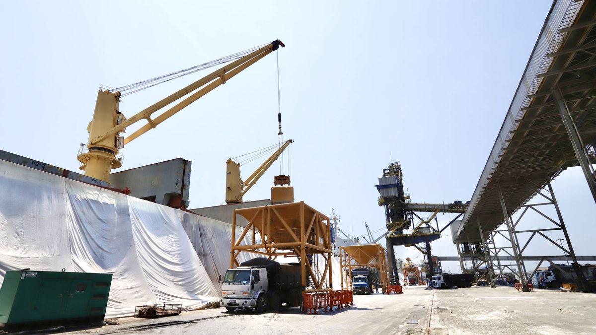 Produtividade na importação de adubo cresce 20% nos portos do Paraná