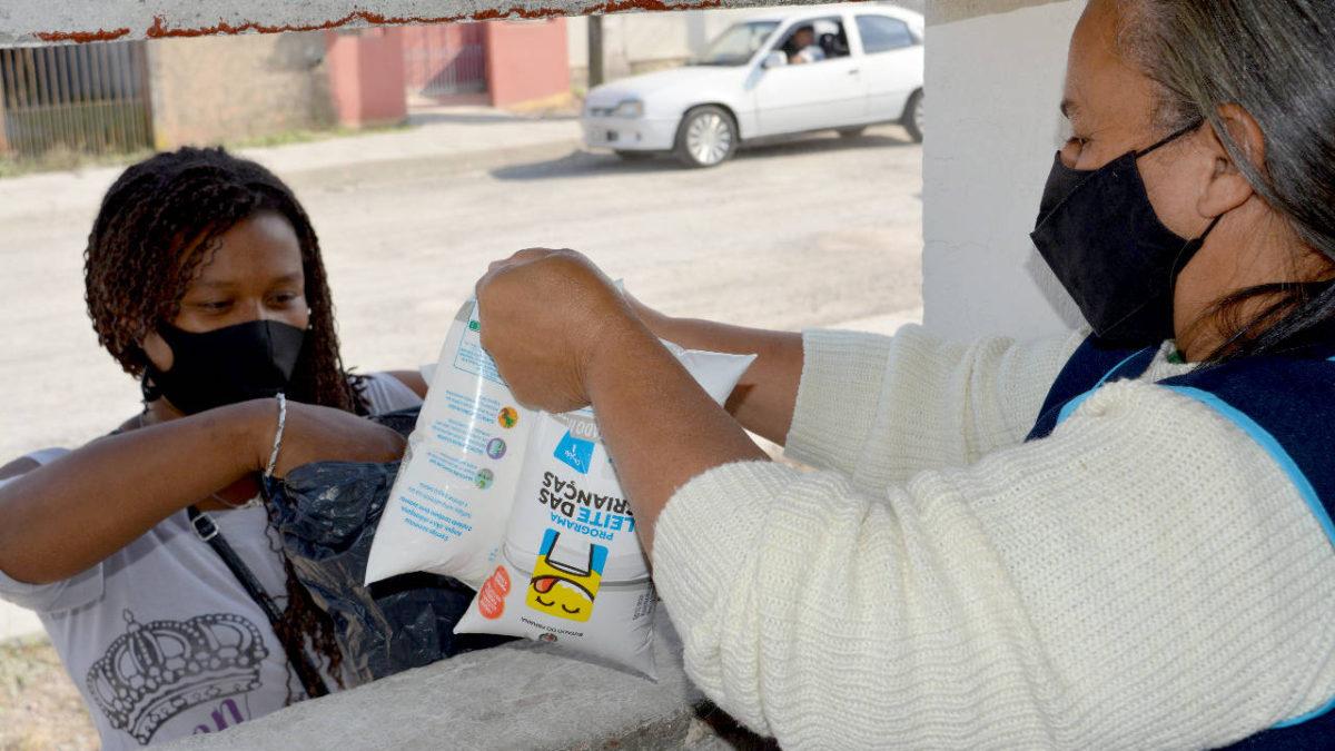 Programa de distribuição de leite do Paraná completa 18 anos no combate à desnutrição infantil