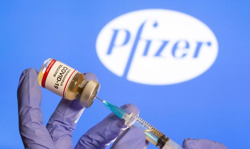 Saúde estuda alterar intervalo de doses da vacina da Pfizer