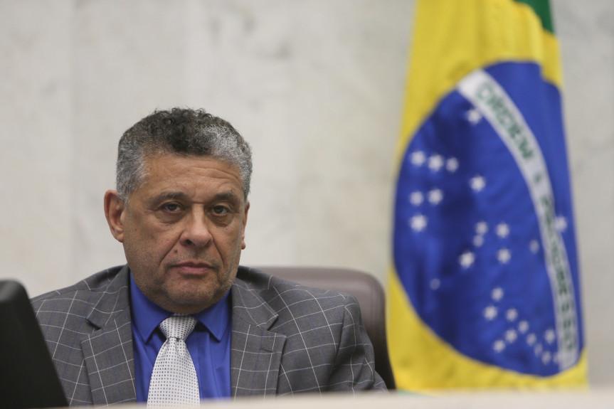 Projeto de lei garante que parturientes surdas sejam acompanhadas por intérpretes de Libras