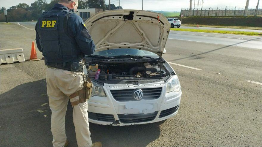 PRF prende dois indivíduos e recupera veículo clonado em Ponta Grossa