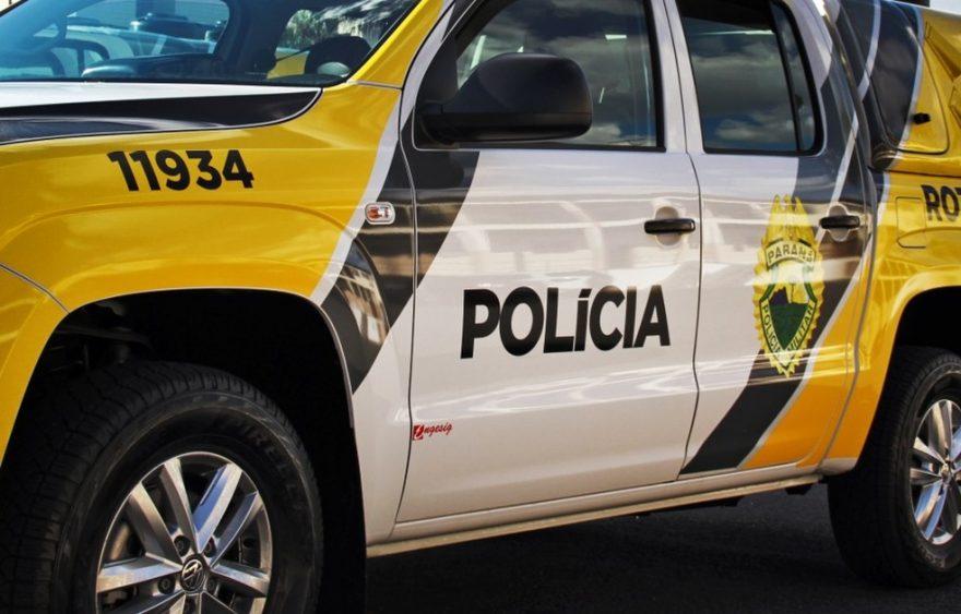 Homens armados assaltam estabelecimento em Carambeí