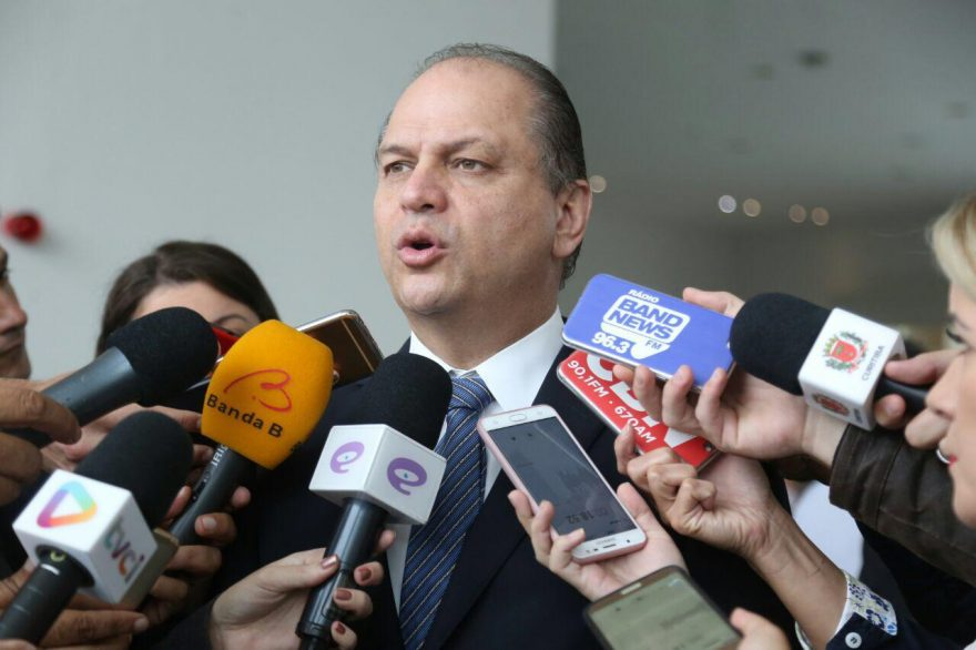 Ricardo Barros classifica acusação de matéria do UOL de irresponsável, infundada e impossível
