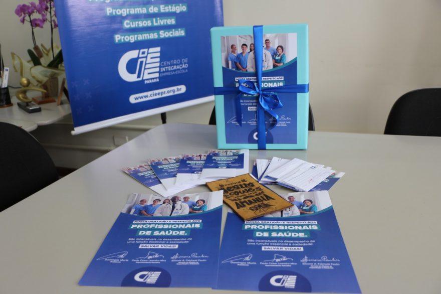 Jovens aprendizes presenteiam profissionais de saúde do Paraná com cartas de agradecimento