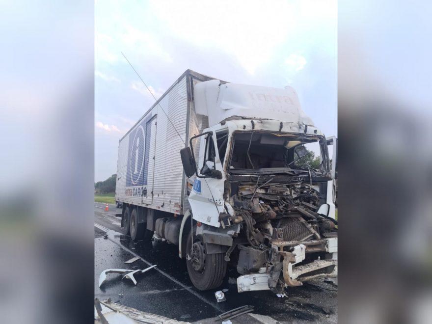 Motorista fica gravemente ferido após acidente na BR-376