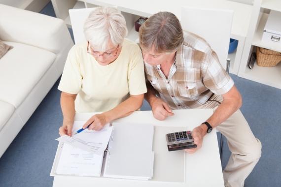 Três em cada dez idosos têm medo de ficar sem dinheiro para se sustentar