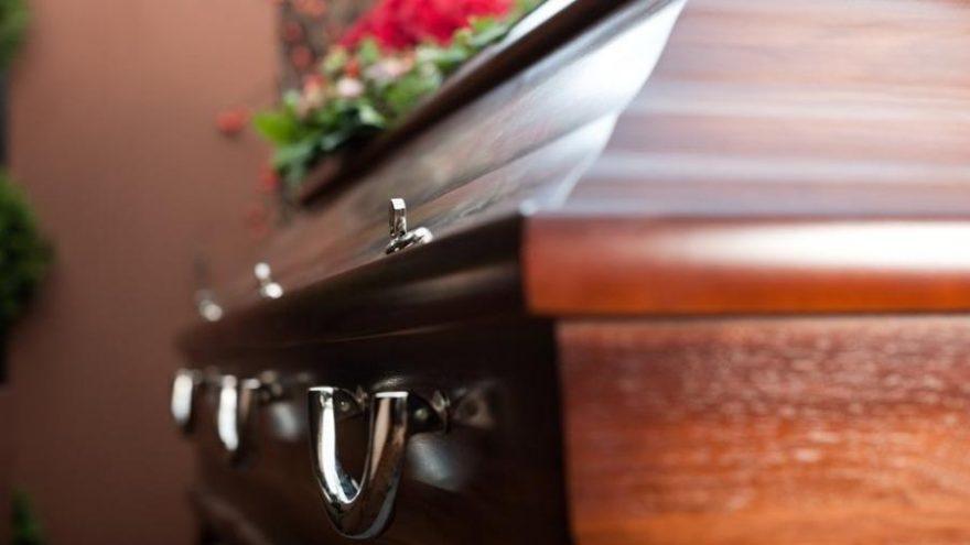 Coveiro é afastado do trabalho após denúncia por corrupção e vilipêndio de cadáver no PR