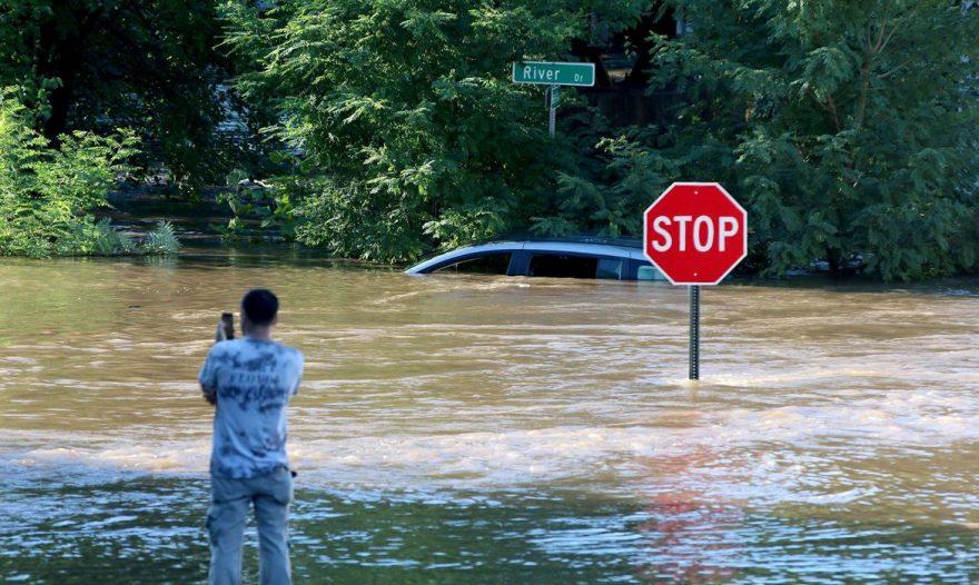 Inundações históricas em Nova York deixam nove mortos