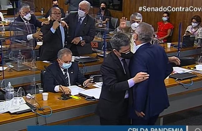 Vídeo – Treta na CPI da Covid: Senadores trocam ofensas e quase 'saem no braço' durante sessão
