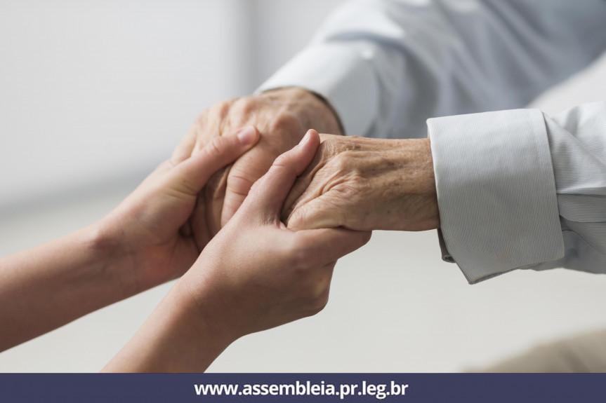 Trabalho da Assembleia Legislativa visa garantir respeito e dignidade à pessoa idosa